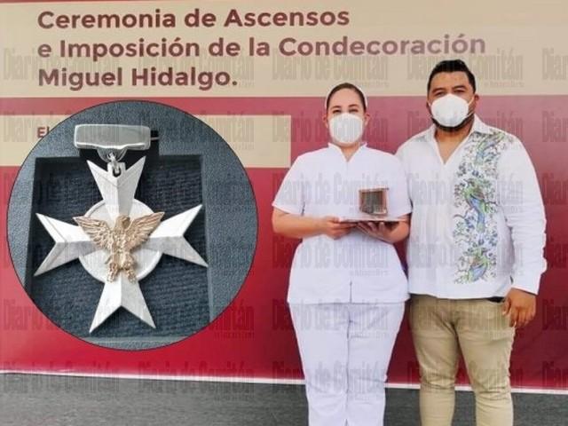 ENFERMERA COMITECA RECIBE CONDECORACIÓN